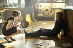 "THE MAGICIANS -- ""The Source of Magic"" Episode 102 -- Pictured: (l-r) Anne Dudek as Professor Sunderland, Jason Ralph as Quentin -- (Photo by: Carole Segal/Syfy)"